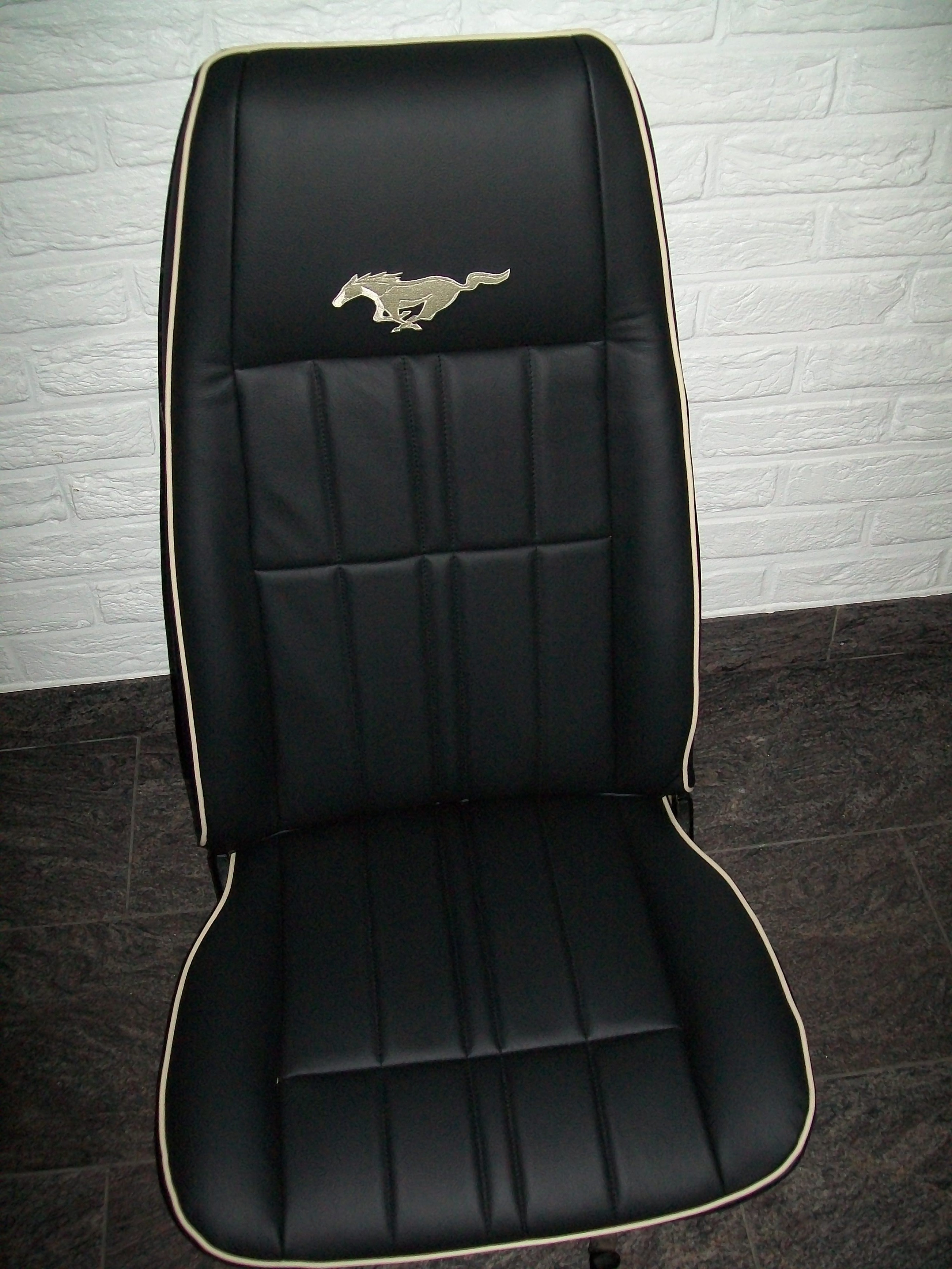 Talat - Autobekleding - Ford Mustang