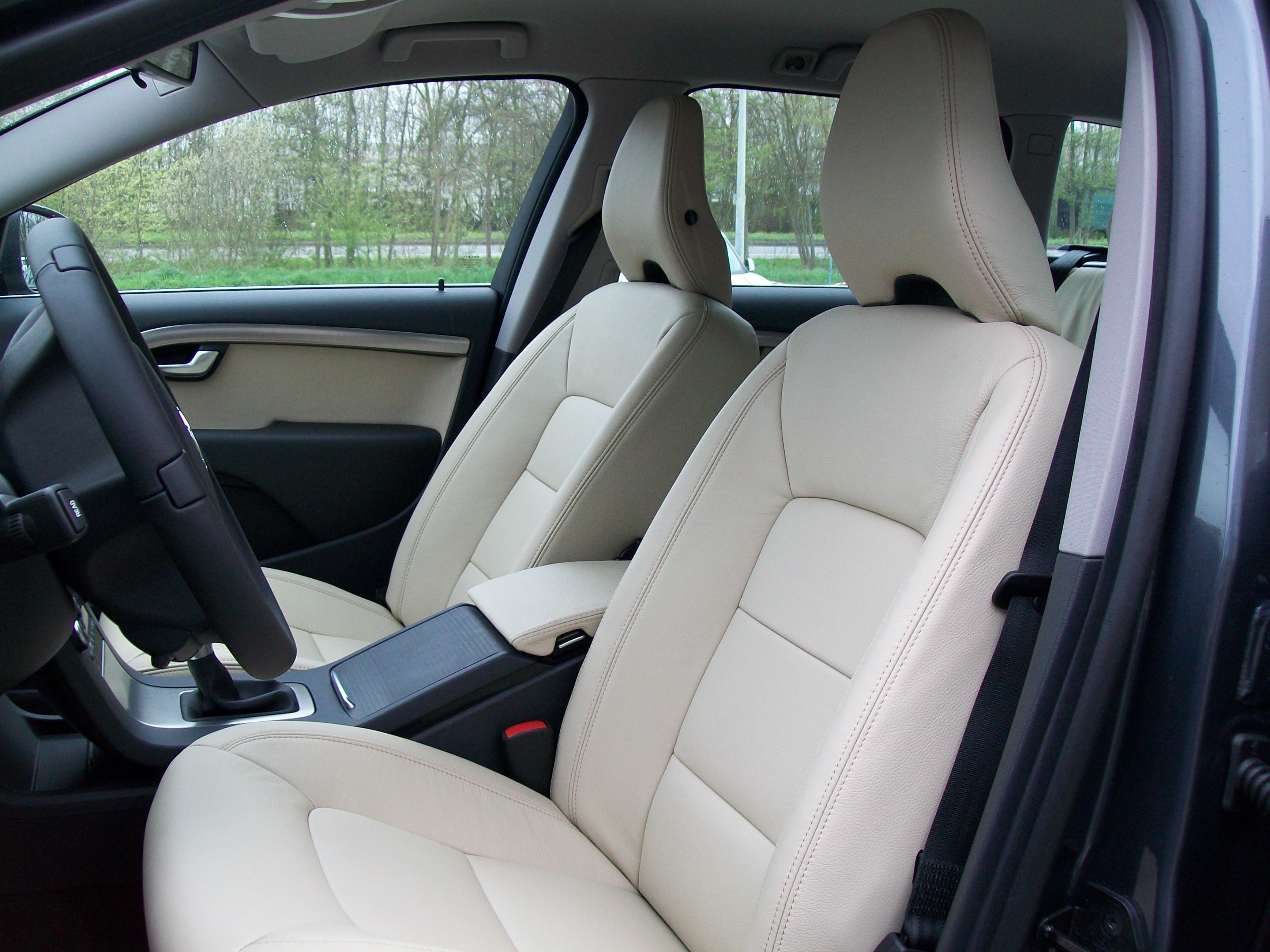Talat - Autobekleding - Volvo V70